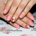 sping nails with flowers