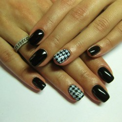 Gel nails photo
