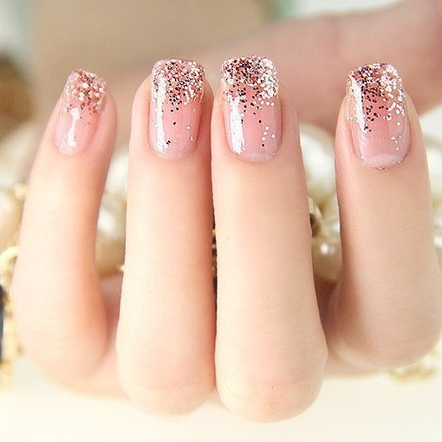 Airy nails