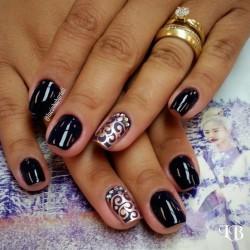 Festive nails photo