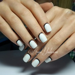 Black and white nails photo