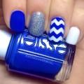 White-dark blue nails