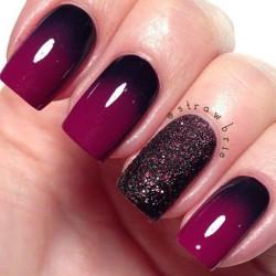 Violet nails photo
