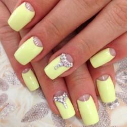 Sunny nails photo