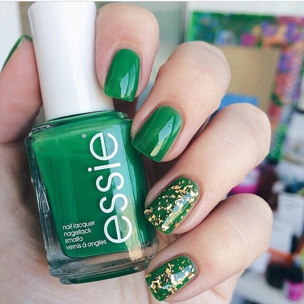 Green lacquer nails ideas