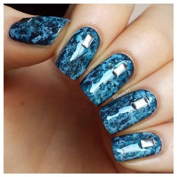 Разводы на ногтях шеллаком