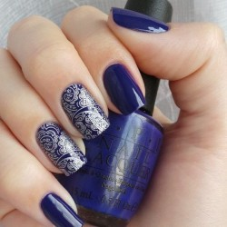 Silver nails photo