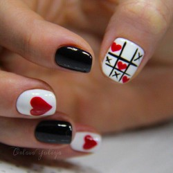 Black red white nails photo
