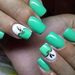 Apple nails photo