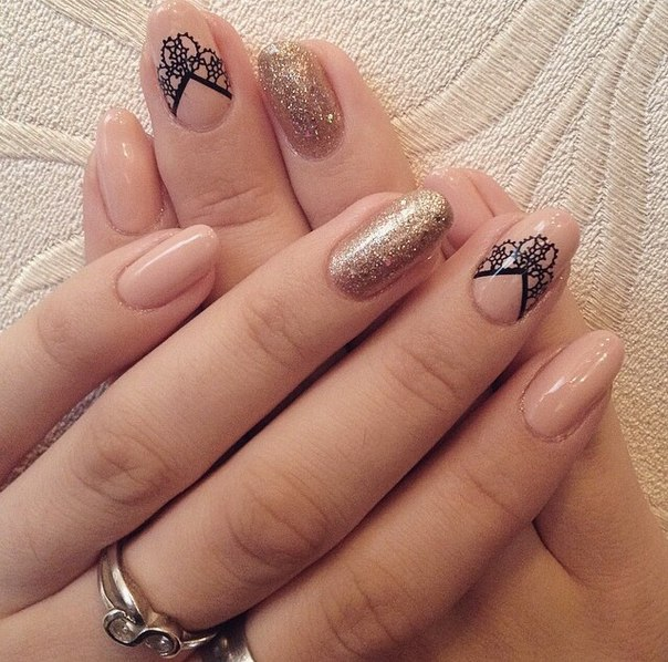 Lacy nails