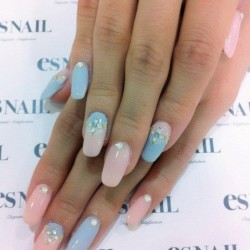 Bride's nails photo