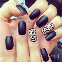 Beige and black nails photo