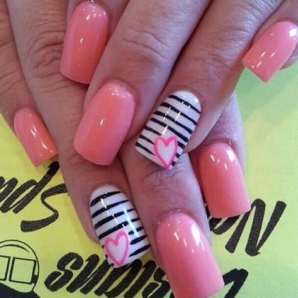 Gentle pink nails