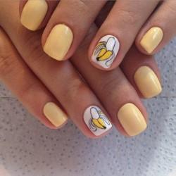 Banana nails photo
