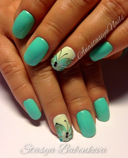 Turquoise and white nails photo