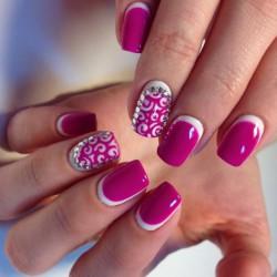 Fuchsia nails photo