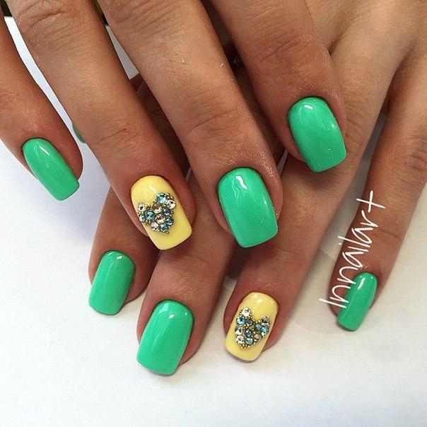 Салатовые ногти фото