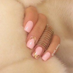 Ribbon nail art photo