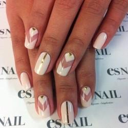 Arrow nails photo