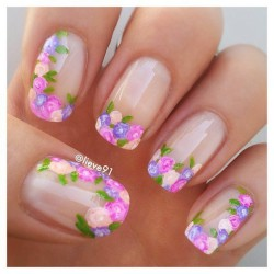 Floral nails photo