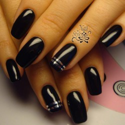 Black and silver nails photo