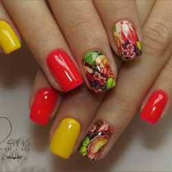 Red and yellow nails photo