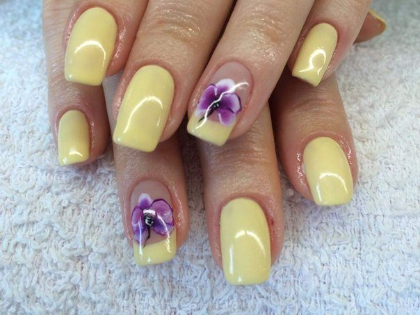 Yellow Colored Nail Designs