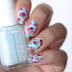 Roses nails photo