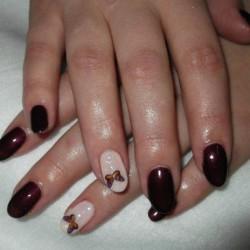 Nails under vinous dress photo