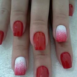 Bright rednails photo