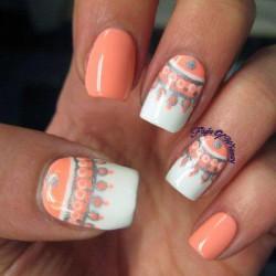 East nails photo