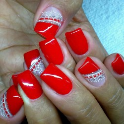 Red nails 2016 photo