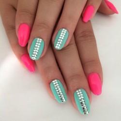Trapezoid nails photo