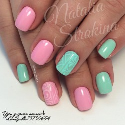 Mint and pink nails photo