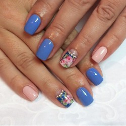 Blue and pink nails photo