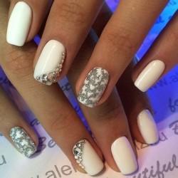 December nails photo