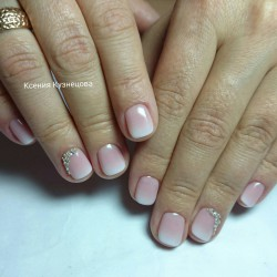 Ombre short nails photo