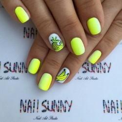 Resort nails photo