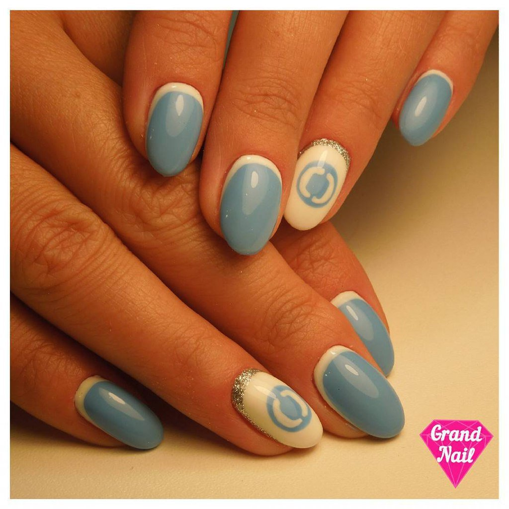 New Nail Art Inverted French