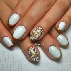Gold french manicure photo
