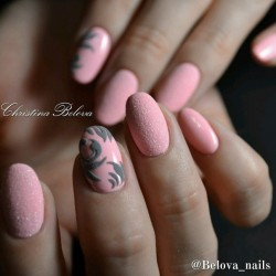 Universal nails photo