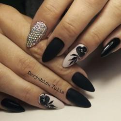 Black lacquer nails photo