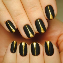 Extravagant nails photo
