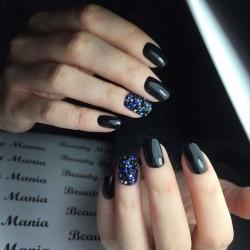Black gel polish for nails photo
