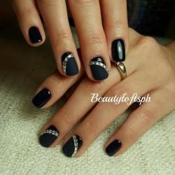 Feminine nails photo