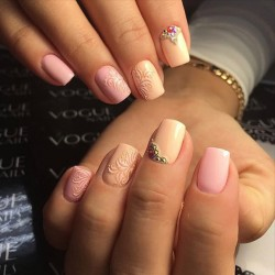 Pink and beige nails photo