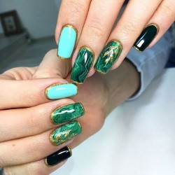 Extravagant nails photo