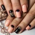 Moon nails