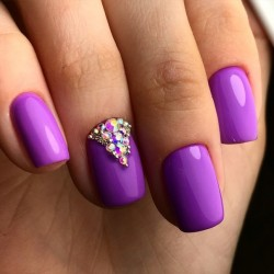 Bright violet nails photo