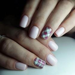 Checkered nails photo